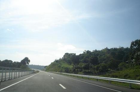 subic-expressway_2.jpg